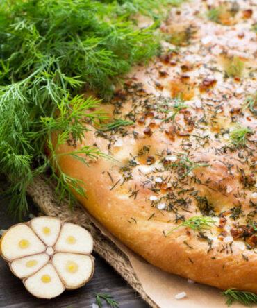 Schiacciatella (pan de pizza) con ajo